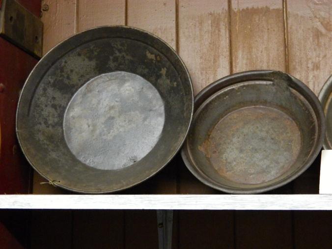 Gold pans