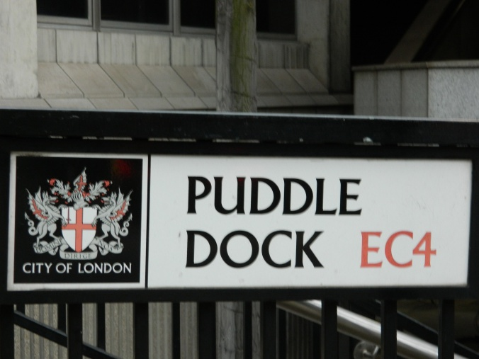 Street sign - Puddle Dock