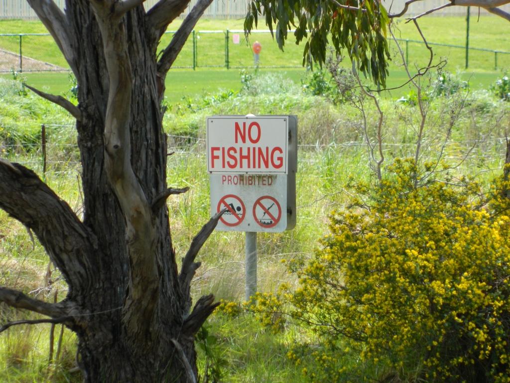 'No fishing' sign